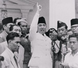Indonesian President Achmad Sukarno Calming down Protesters